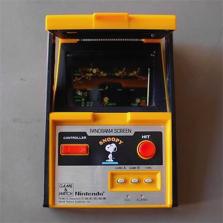 Electronic Plastic Nintendo Snoopy 1983